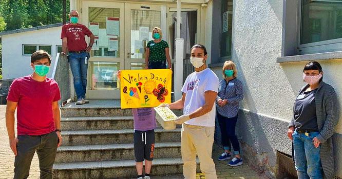Die Kinder der SHG-Klinik bedankten sich mit einem Plakat.