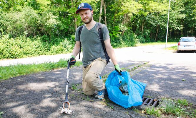 Sebastian Haßler ist Doktor der Naturwissenschaften und sammelt in seiner Freizeit Müll.