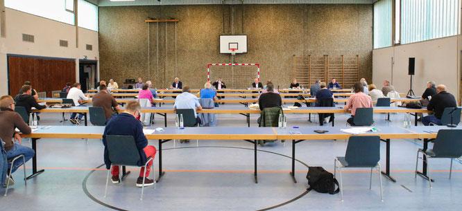 Im Juni tagte der Gemeinderat bereits in der Mehrzweckhalle in Rilchingen-Hanweiler.