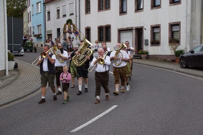 Die Kuchlinger Musikanten machten Musik.