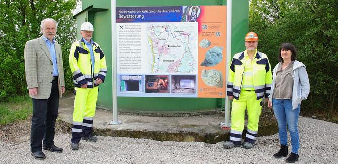 In dieser Woche wurde auf dem Auersmacher Feld eine Informationstafel von der Kalksteingrube Auersmacher angebracht.