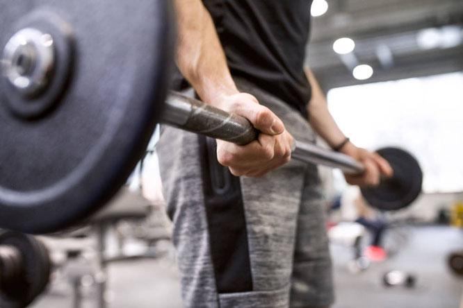 Mediziner und Sportwissenschaftler raten für einen höheren Testosteronwert zu Muskelaufbau Foto: Getty Images