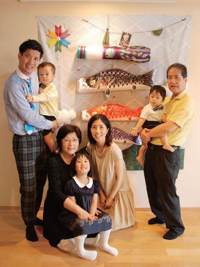 キャンバス鯉のぼり 集 家族で節句の記念撮影