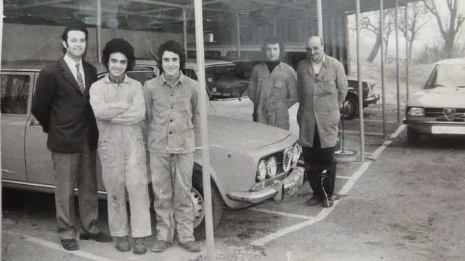 Autohaus Alfa Romeo G. D`Onofrio in Wasseralfingen, Brausenried. Giovanni D´Onofrio (links) mit seinen ersten Mitarbeitern.