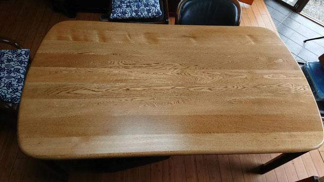 塗替え後のテーブル