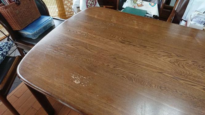 塗替え前のテーブル