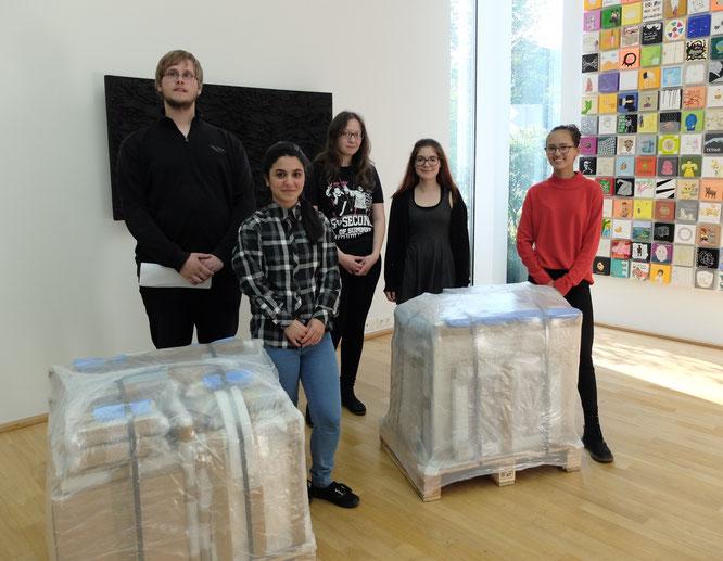 Dominik Schott, Cigden Erboga, Gaye Aygör, Asya Atasoy und Tiara Schmidt mit Werken von Laas Abendroth und Adolf Luther