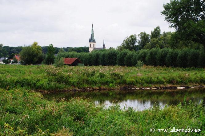 Blick auf eine so genannte Moortasche der Woeste und den Bad Sassendorfer Ortsteil Ostinghausen