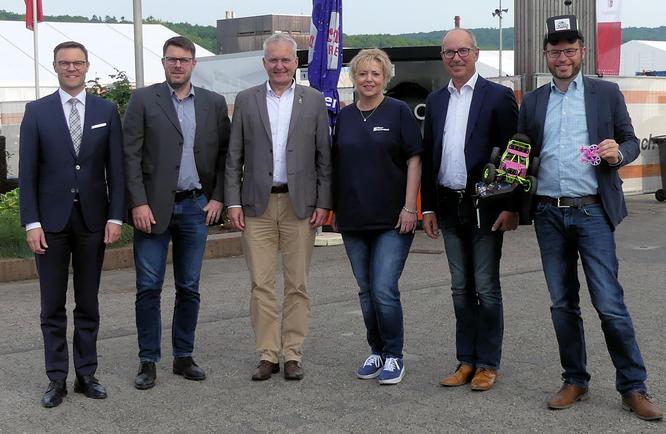 Presserundgang 2019 mit Bürgermeister Weiher und Messe-Geschäftsführerin Ute Metzler © Klaus Leitzbach/rheinmainbild
