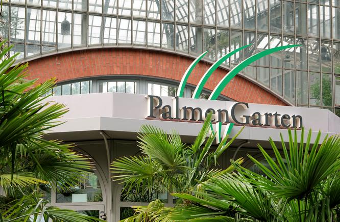 Eingang zum Palmengarten Foto: dokubild.de / Klaus Leitzbach
