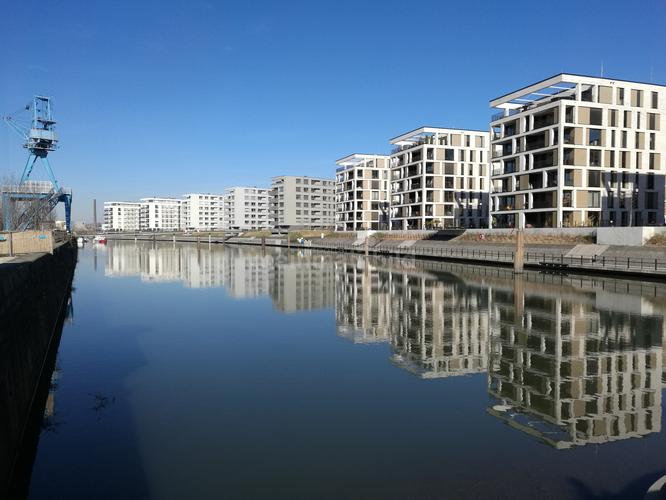 Moderne in Offenbach - Hafenquartier © fmedien.net/Klaus Leitzbach