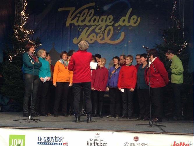 Concert de Noël sur la place du marché à Liège (sur le podium) le 20 décembre 2015.