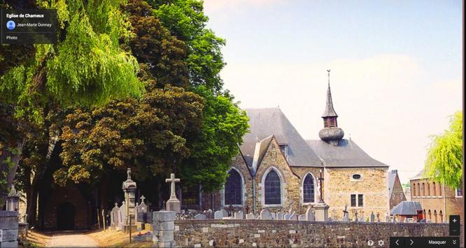 L'église de Charneux en plein centre du village