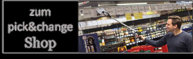 Getränkepreisauszeichnung mit dem pick&change System, Mann mit Picker wechselt einfach Getränkeschilder