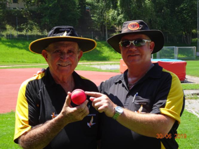 Umpires Tom Polich (l) & Alex Mackay (r)