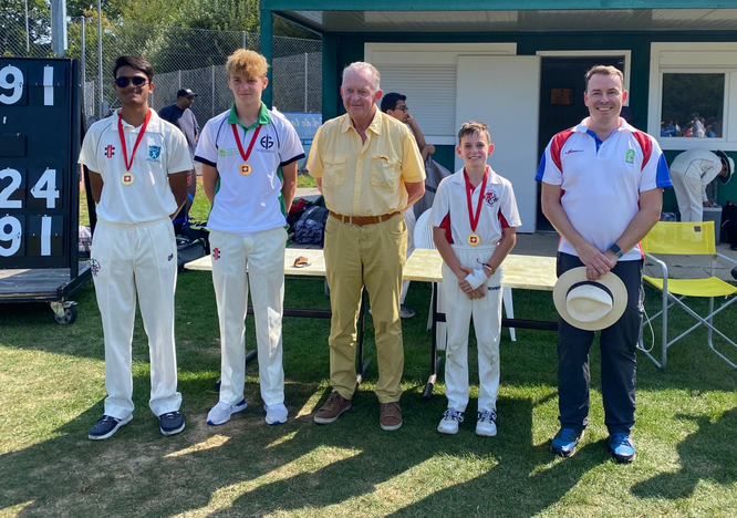Bob Barber Award winners 2019 (l-r): Louqmaan Motala (U15), Kai Salama (U13), Bob Barber, Connor Walden (U11), Michael Hall