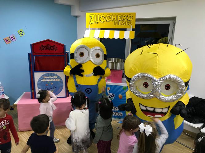 festa bambini a tema con mascotte Minions roma