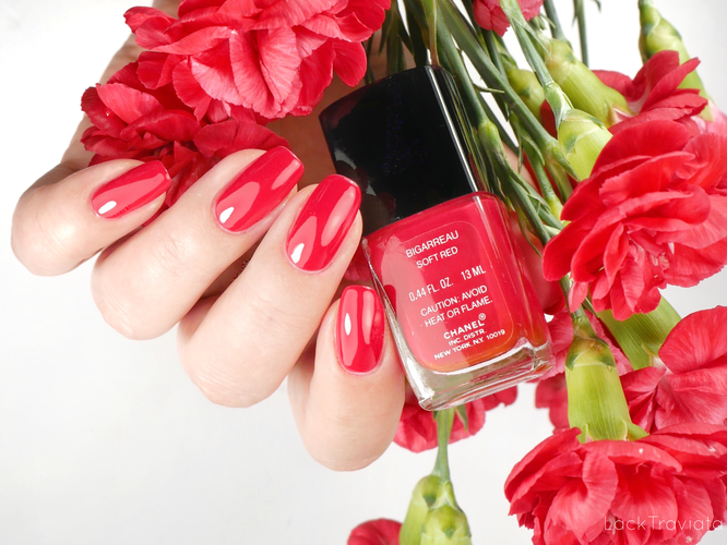 CHANEL • BIGARREAU SOFT RED (VERNIS LAQUE made in U.S.A.)