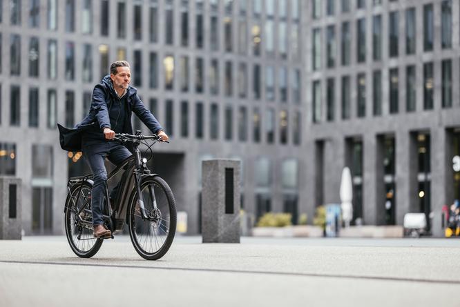 Fahrradfahren im Alltag und in der Freizeit —  FLYER E-Bikes Urban Upstreet5 ©Flyer