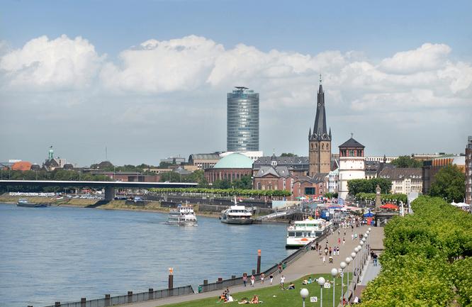 Rheinpromenade Duesseldorf
