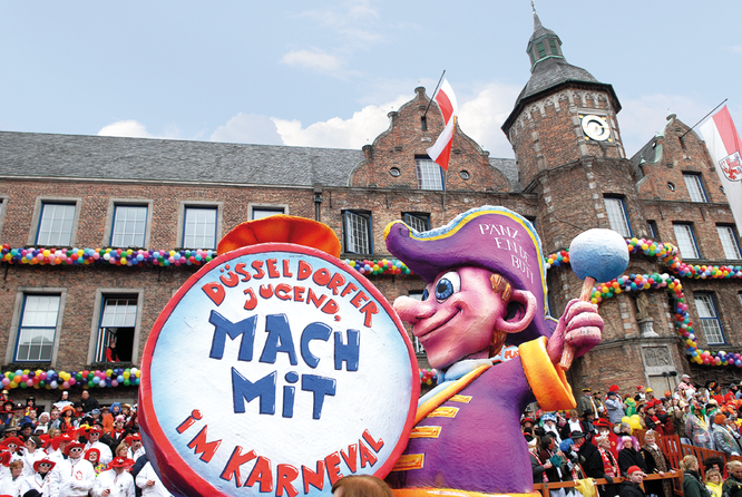 Motivwagen im Duesseldorfer Karneval