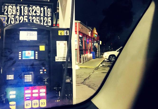 アメリカ 田舎 ガソリンスタンド