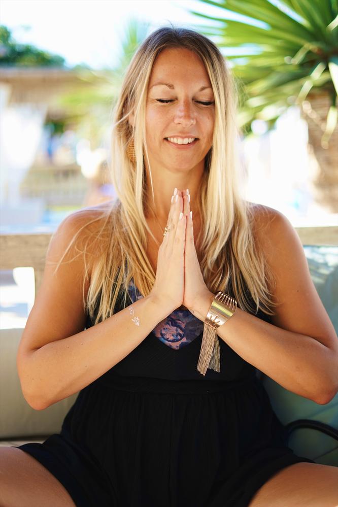 Yogalehrerin Nicole Dechow über ihre Liebe zu Indien, Yoga und ihrem Sohn Shivam. Yoga Mama Blog MOMazing
