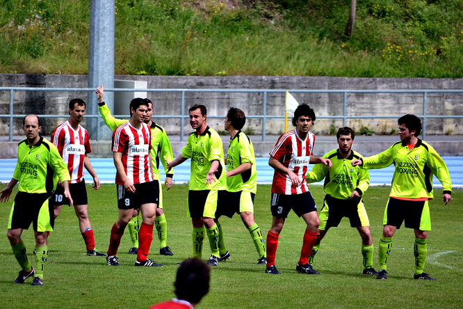 Imagen del enfrentamiento entre Laudio B y San Martín de la temporada pasada disputado en Ellakuri.