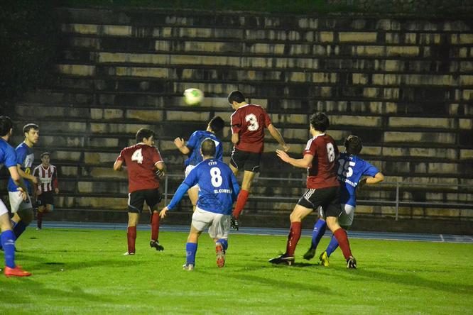 En el partido de la primera vuelta el Laudio superó por 2-0 a los colegiales.