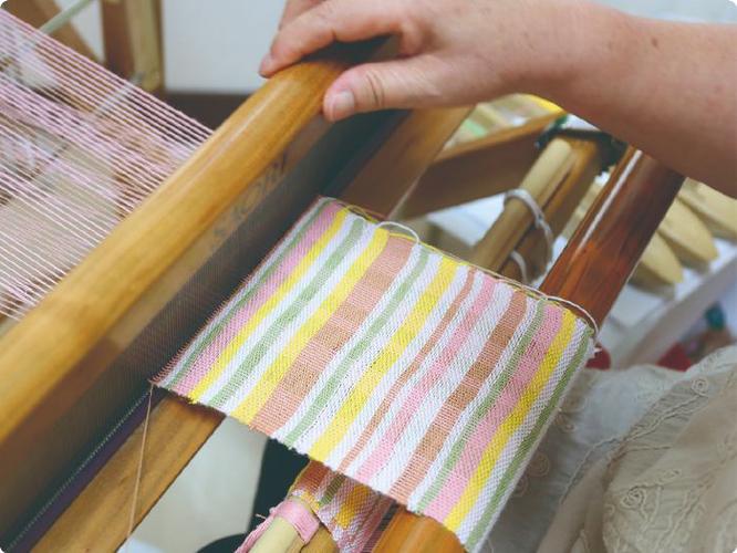 プーカのひな人形 手織り屏風