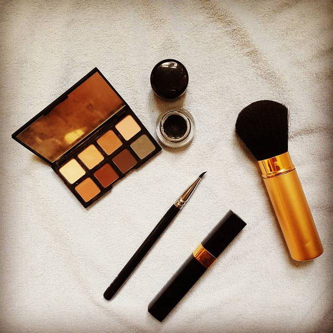Beauty trotz Baby; Schminken; Haare; Make-up; Tipps; Naturkosmetik; Mama