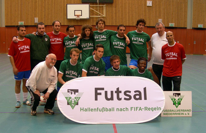 Futsalicious Essen e.V. Aktuelles: FVN Futsal-Auswahlmannschaft beim 0:10 gegen den FLVW-Auswahl in der Sportschule Wedau in Duisburg am 16.05.2011