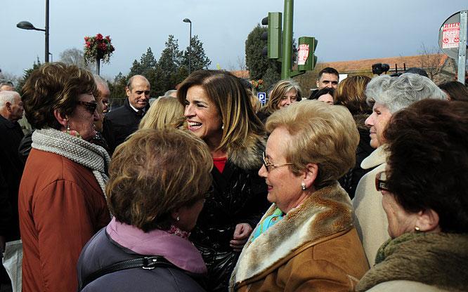 Ana Botella, alcaldesa de Madrid, visita Vicálvaro