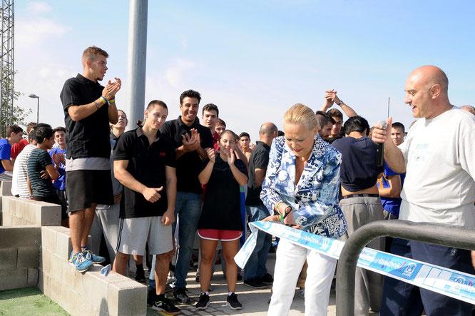 La concejala Carmen Torralba inaugurando la pista de Parkour