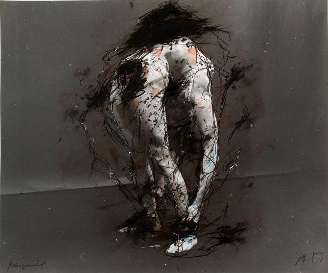 Arnulf Rainer: Pagode, undatiert, ca. 1975-78, Graphit, Ölkreide, Tusche auf Foto, 50,6 x 60,6 cm © Atelier Arnulf Rainer. Foto: Robert Zahornicky © VG Bild-Kunst, Bonn 2015