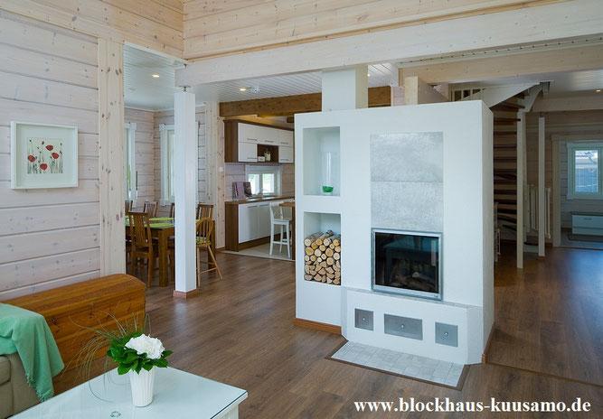 Skandinavischer  Wohnstil - Kaminofen im Massivholzhaus - Modernes Holzhaus in Blockbauweise - Blockhausbau