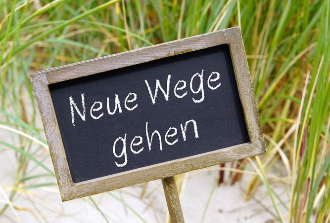 positive Psychologie Lebenskrise Neuausrichtung Hilfe Depression Burnout neue Wege Sinn Wolfgang Holzbauer Coaching psychologisches Gersthofen Augsburg München Ulm Stuttgart