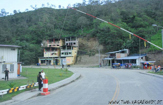 GRENZÜBERGANG ECUADOR - PERU