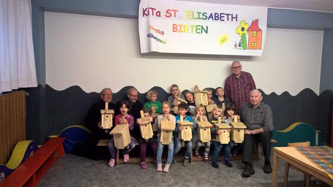 13 glückliche Kinder und Eule 1-3 und Kräuter Johannes