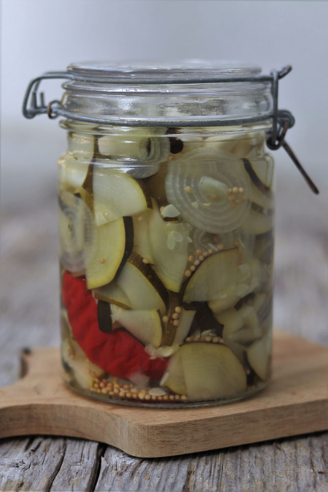 eingelegter Zucchini