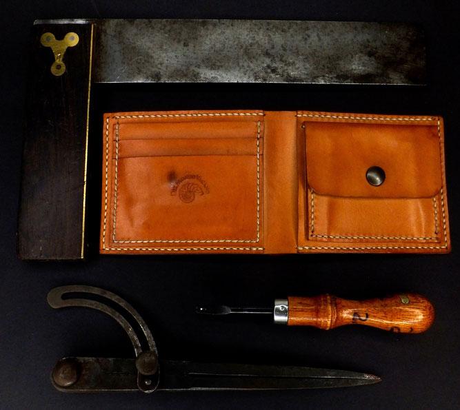 BRIEFTASCHE | Geldbörse klassisch Männer pflanzlich gegerbtes Leder | 3 Kartenfächer, 2 Einsteckfächer, 1 Geldscheinfach, 1 Kleingeldfach