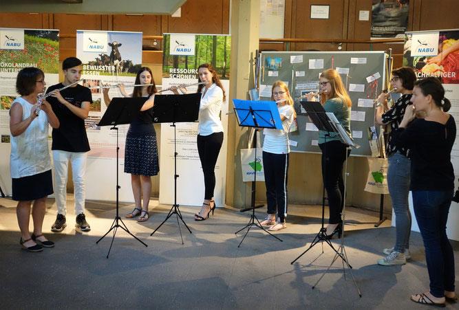 Musikalisch umrahmte das Querflötenensemble der Jugendmusikschule Unterer Kraichgau die Eröffnung