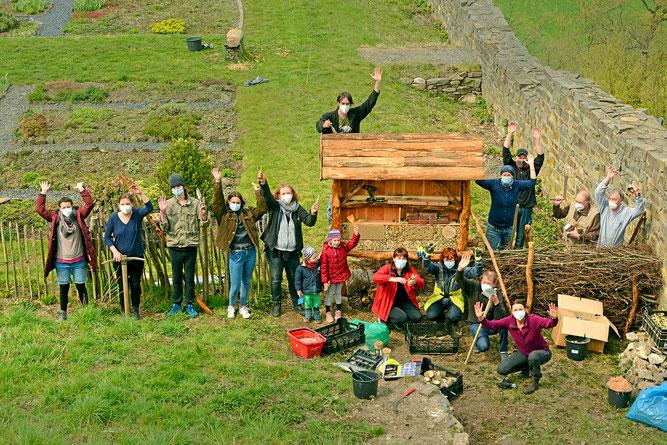 Gruppenfoto mit einigen der Helferinnen und Helfer. (Foto: Stefan Körber)