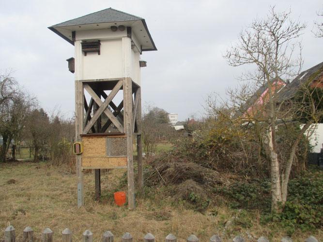 Das Schwalbenhaus im NABU Garten in Heuchelheim.