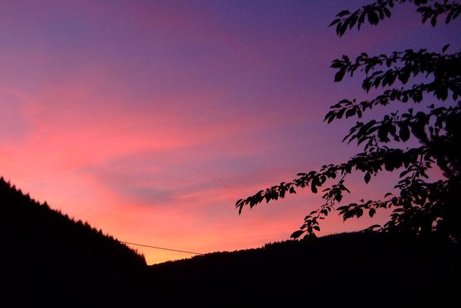Abendrot mit Saharastaub? Der Himmel über dem Neckartal am 15.06.2021 - Foto P. Welker