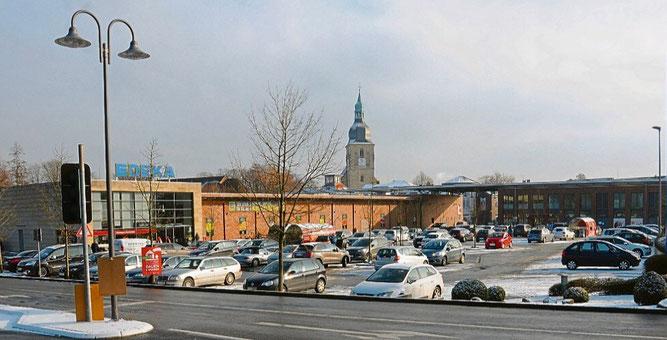 Der Edeka Markt in Nottuln, links dahinter beginnt der Rhode-Park, Foto Ludger Warnke