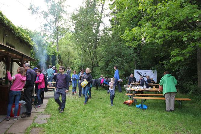Ehrenamtliche NABU-Mitglieder und NAJU's beim Sommerfest (Foto: K. Peikert)