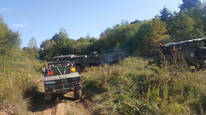 Mitglieder des Military Vehicle Drivers e.V. führten in Zusammenarbeit mit dem NABU Koblenz und Umgebung Pflegemaßnahmen auf der Schmidtenhöhe durch.