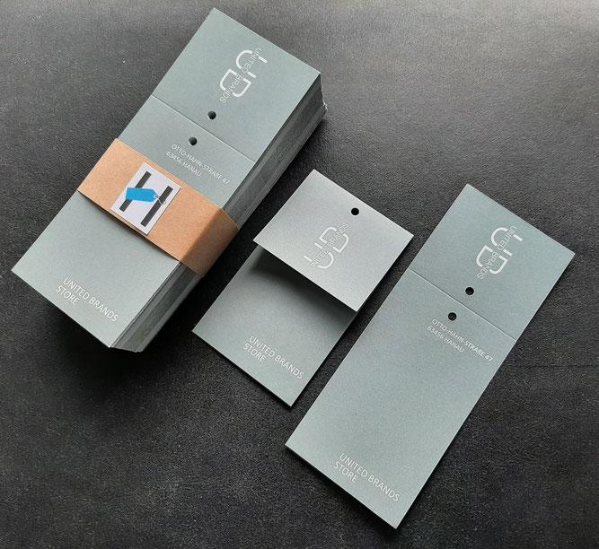 Klappkarte aus 100 % Recyclingkarton - FSC - matt -Erhalt der Papierstruktur