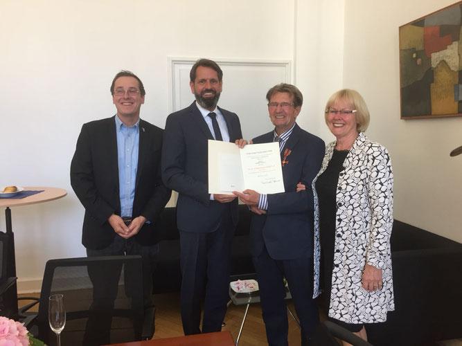 Dr. Nick Büscher, Olaf Lies, Egbert Schulz und Birgit Kreissel. - Foto: Privat